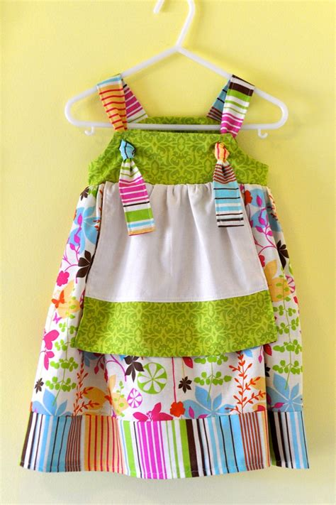 pattern for youth apron 25 best ideas about childrens aprons on pinterest child