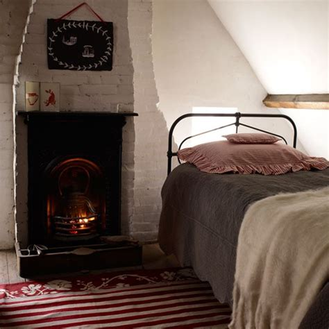 Cottage Style Bedroom Ls by Best 25 Cottage Style Bedrooms Ideas On