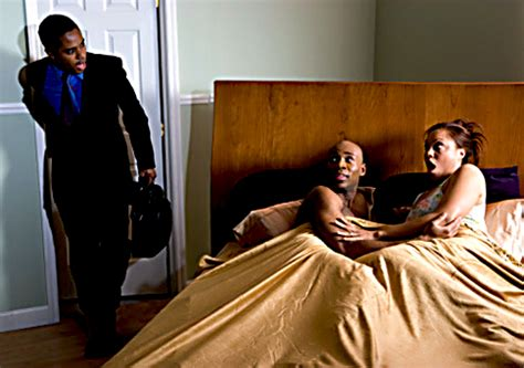 how are nigerian men in bed video nigerian man kicked out of his house after he