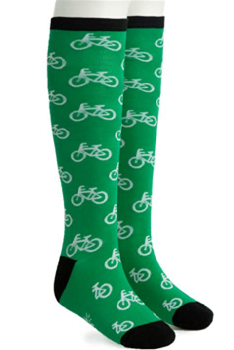 10 Ways To Add Green To Your Wardrobe by Bicycle Socks 10 Ways To Add Green To Your Wardrobe