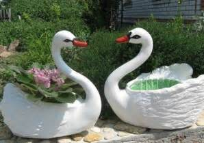 Santa Hat Chair Covers Diy Swan Pot Planter Using Plastic Bottles Find Fun Art