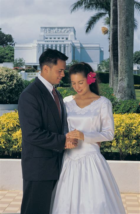 350 questions lds couples should ask before marriage books why is temple marriage important
