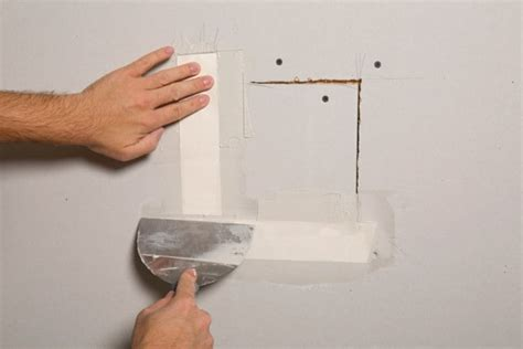 Plastering Ceiling Tips by 5 Tips To Hire The Best Plaster Repair Contractor