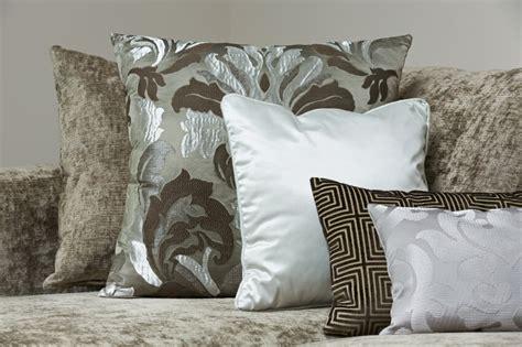 how many throw pillows on a sofa 35 sofa throw pillow exles sofa d 233 cor guide home
