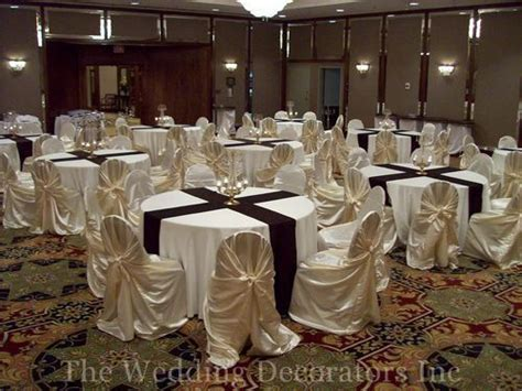 Banquet Table Decorations by 25 Best Ideas About Banquet Table Decorations On Banquet Banquet Tablecloths And