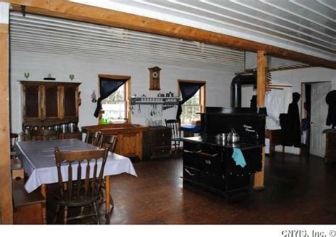 Traditional Farmhouse Plans Look Inside A Swartzentruber Amish Home 12 Photos