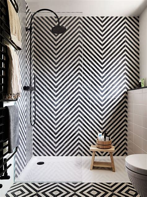 black and white bathroom tile designs best 25 black and white tiles ideas on black