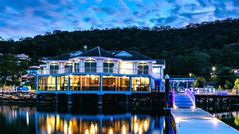 boat house tavern boathouse bar and dining koolewong breeze magazine
