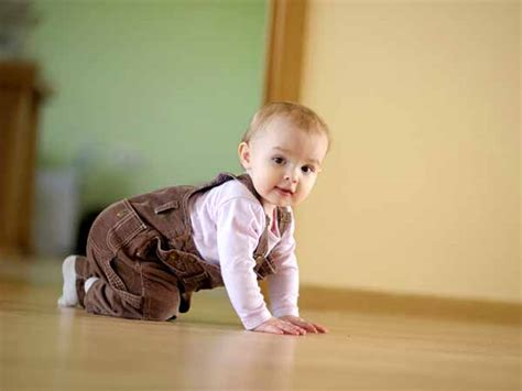 7 things to do when baby starts crawling boldsky