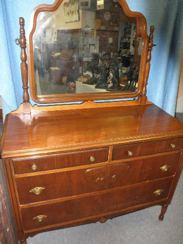 Antique Dresser Value by Dresser With Mirror B5182 For Sale Antiques Classifieds