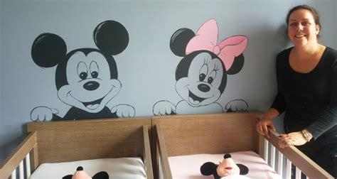 muurtekening mickey minnie mouse babykamer geboortekaartje