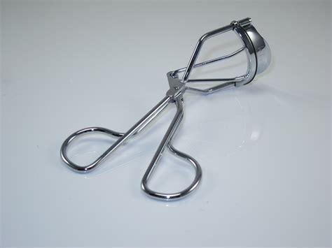sectional eyelash curler nyx eyelash curler great for giving eyelashes a haircut