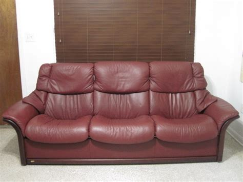 red wine on leather couch ekornes stressless sofa couch theater seating leather