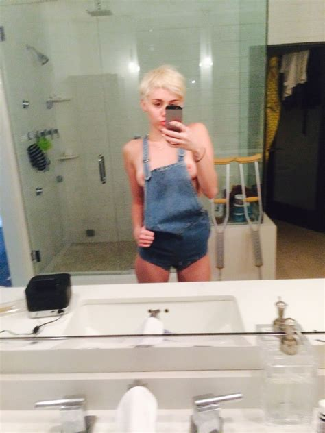 best celeb sexy leaks miley cyrus nude and leaked 31 photos thefappening