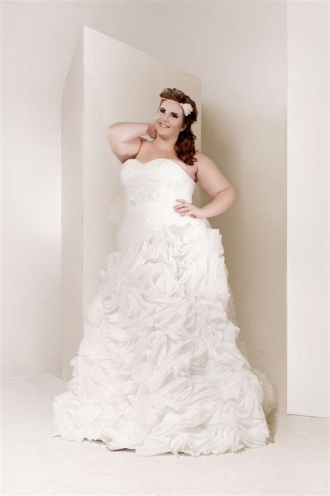 Plus Size Wedding Dresses On Plus Size Models by Http Www Aliexpress Store 613731 Plus Size Wedding