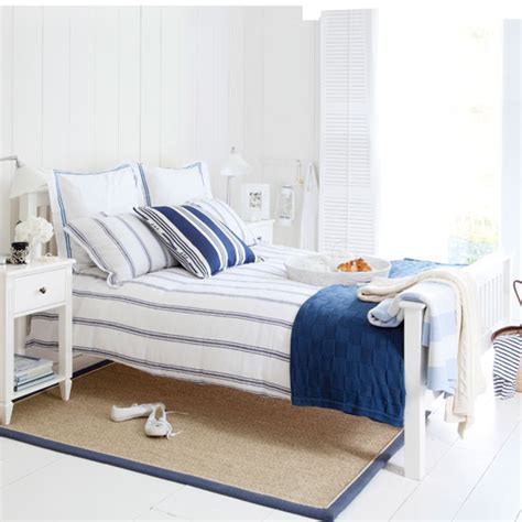 blue and white themed bedroom beach themed bedrooms ideal home