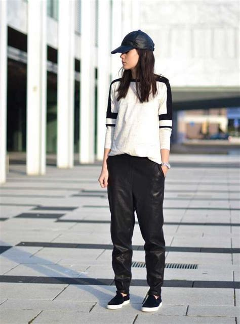 Mini Dress Pesta Ber Kerah Semi Formal Hitam Polos Lengan Pendek Impor baju hitam putih nggak melulu membosankan asal 11 gaya ini yang jadi panduan