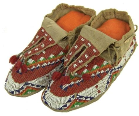 how to bead moccasins sioux beaded moccasins moccasins