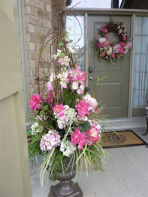 Front Door Flower Arrangements 117 Best Porch Decorating Ideas Images On