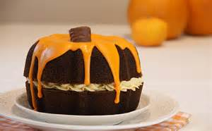 chocolate pumpkin cake 187 bake with stork