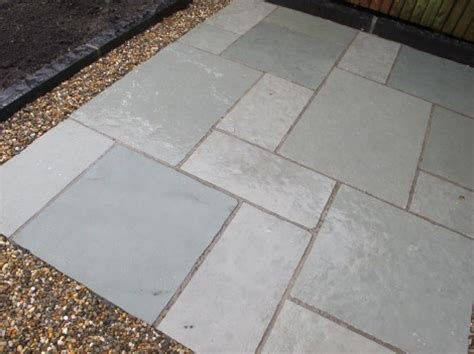 limestone patio pavers 1000 images about diy extended patio for grill on