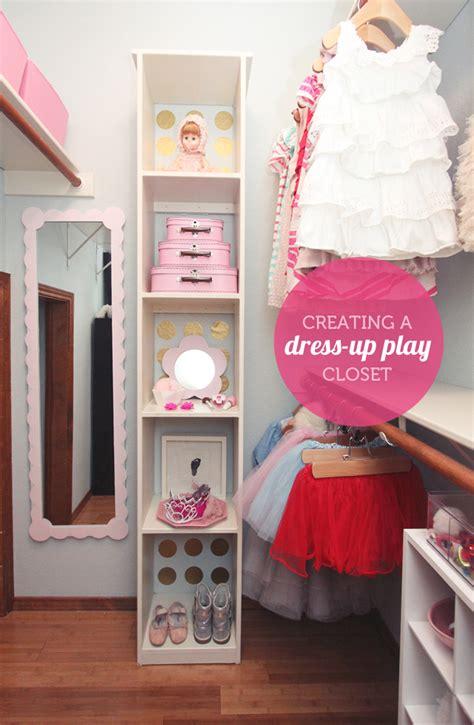 how to make a dress up closet