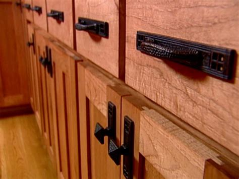 Door Pulls Kitchen Cabinets by Kitchen Cabinet Knobs Pulls And Handles Hgtv