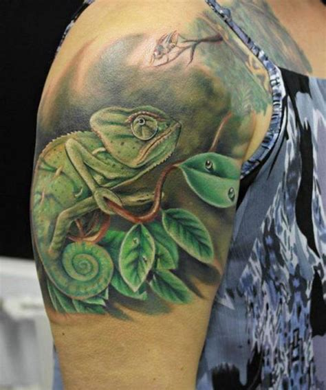 shoulder realistic chameleon tattoo by el loco tattoo lounge