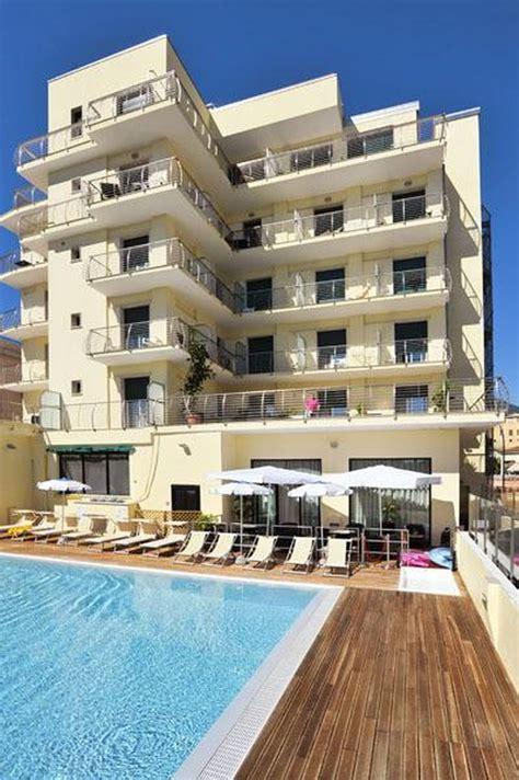 hotel e appartamenti hotel excelsior loano hotel e appartamenti a loano