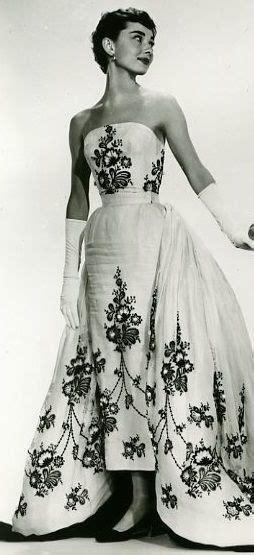 audrey hepburn gown audrey hepburn love her gown and gloves audrey hepburn