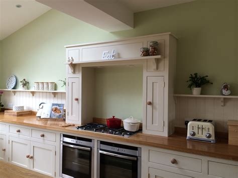 farrow and ball kitchen ideas country kitchen mantle farrow ball lime white and green