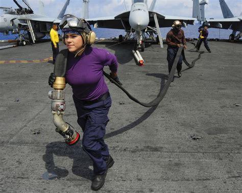 boatswain lines aviation boatswain s mate jessica pena guerrero helps pull
