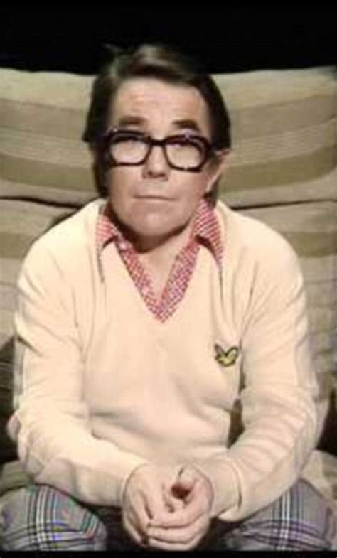 2 Ronnies Sketches by Ronnie Corbett Dies Aged 85 Surrounded By His Devoted