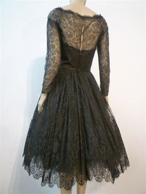 Lace Rienta oscar de la renta chantilly lace skirt cocktail dress