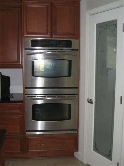 wall oven cabinet size
