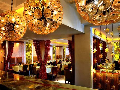 miami beachs barton  restaurant  famous