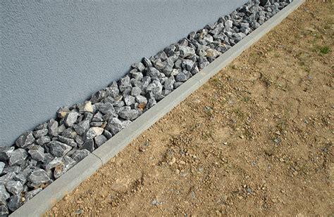 drainage am haus verlegen so verlegt eine drainage baukram