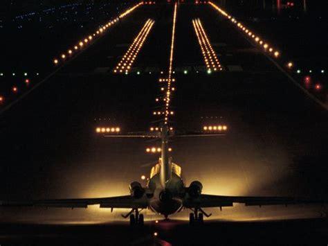 airplane landing lights ask the captain landing lights in my bedroom window