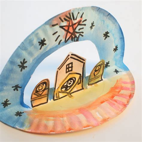 easy paper plate christmas crafts easy pop up paper plate nativity pink stripey socks
