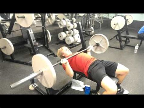 huge bench press reverse grip bench press for huge upper chest youtube