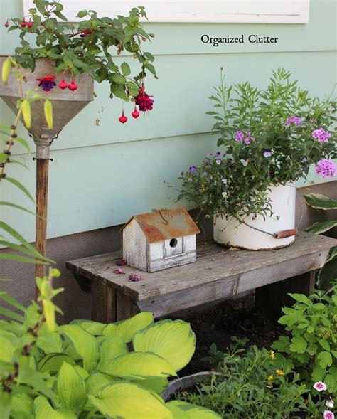 Rustic Yard Decor by Organized Clutter Friend Danita S Rustic Garden Decor