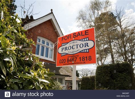 houses to buy in south east london house for sale by estate agents george proctor south east london stock photo