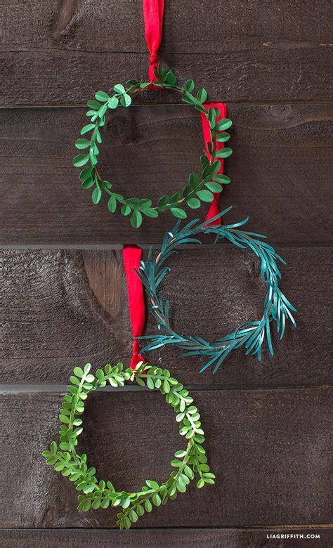 seasons  paper diy christmas wreaths