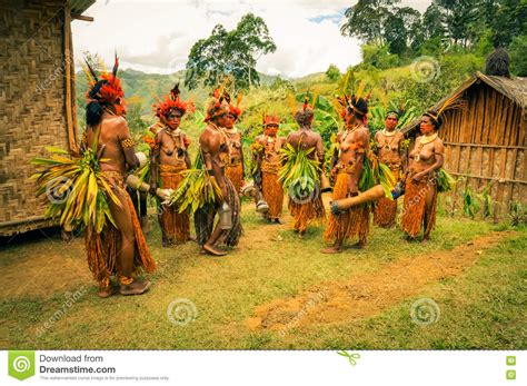 what s the best costume humans and nature books in traditional costumes in papua new guinea