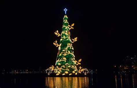 el mayor 225 rbol de navidad flotante del mundo