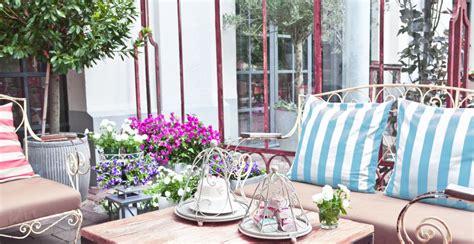 decoracion patio exterior ventanas para patios decoraci 243 n con vistas westwing