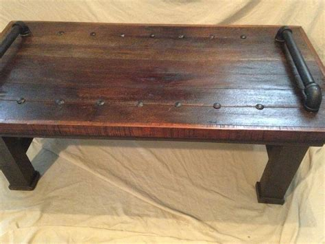 Diy Pipe Coffee Table Pallet Coffee Table With Metal Pipe Handles 99 Pallets