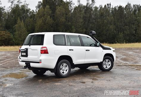 land cruiser toyota 2016 2016 toyota landcruiser gx review performancedrive