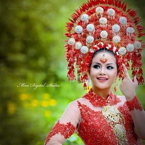 Dress Gadis Kepang 79 best images about minang wedding on javanese midnight blue and wedding