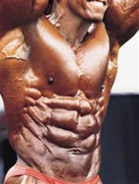 alimentazione per scolpire i muscoli definizione muscolare e addominali scolpiti sette regole